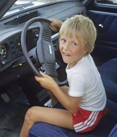 Водительские права с 17 лет?